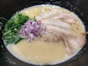 くろすの鶏煮込み塩ラーメン