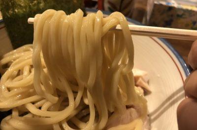 しりとりのつけ麺はボリューミーな太麺