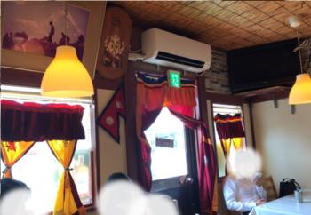 橿原のネパール料理屋カトマンズカフェ店内