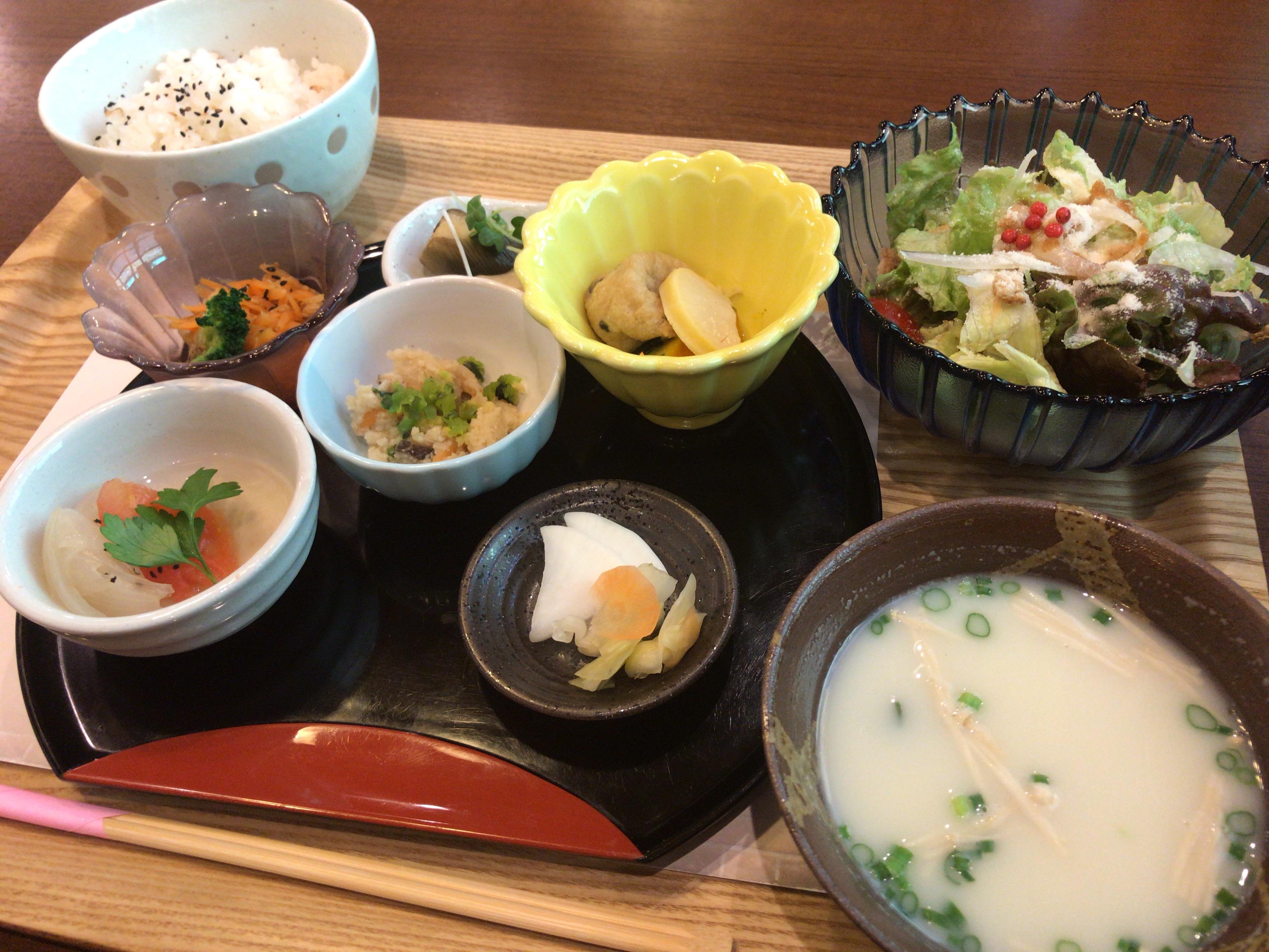 大和八木駅近く「茶々」の人気ランチメニュー