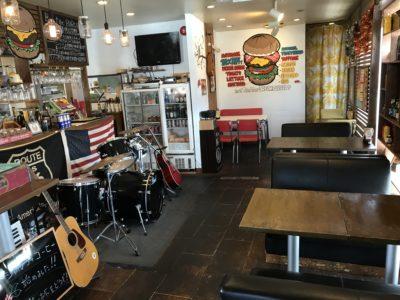 新ノ口のハンバーガー屋、ボンファイアの内観