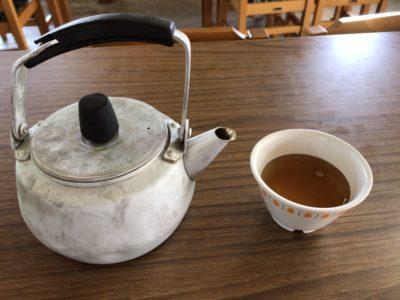 大黒屋食堂のサービスのお茶