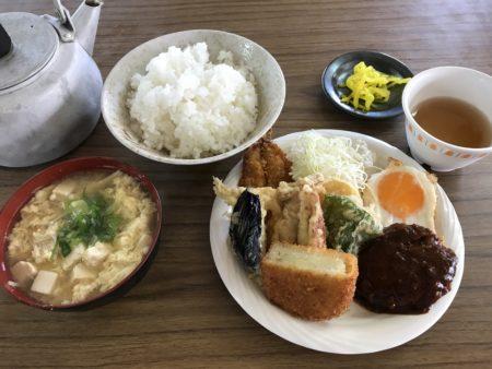 橿原、新ノ口の大黒屋食堂の天ぷらセット?