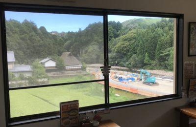室生寺近くで食事ができる室生路の座敷からの眺め