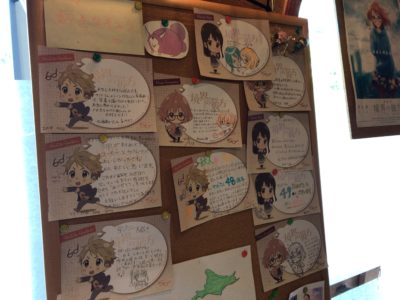 橿原神宮前近くのランチカフェサンドのアニメ関係の貼物