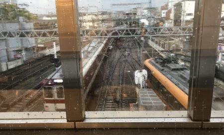 大和西大寺駅ナカカフェのばんいのうえカフェのカウンターから見える風景