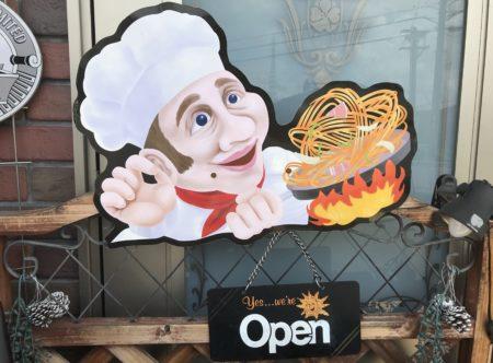桜井のランチができる洋食店フレカンテのオープン看板