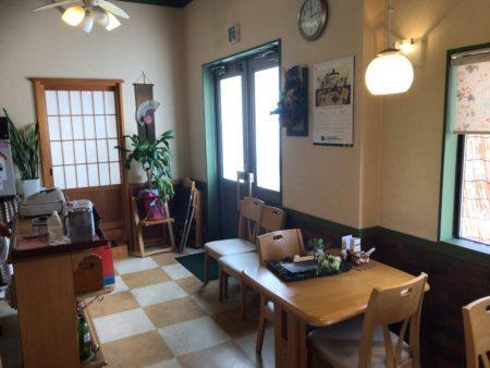 桜井でランチができる田舎の洋食屋キッチンフレカンテの内観