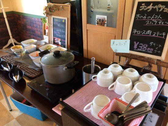 桜井でランチができる田舎の洋食屋キッチンフレカンテのサラダ&スープバー