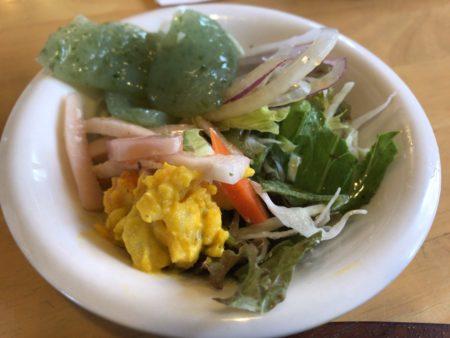 桜井でランチができる田舎の洋食屋キッチンフレカンテのサラダバー
