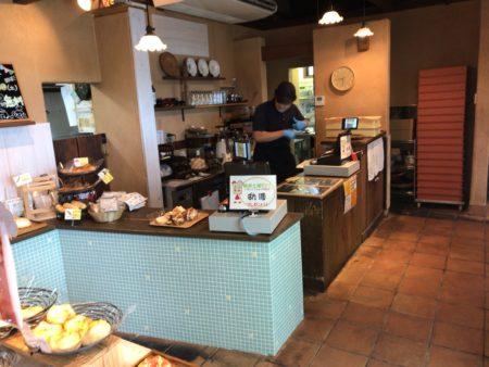 橿原市真菅でモーニングができるパン屋パネトリー本店のカウンター