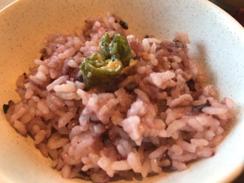 橿原神宮前や佐藤薬品スタジアム近くでランチができるアースワインダイニングASの雑穀米ご飯
