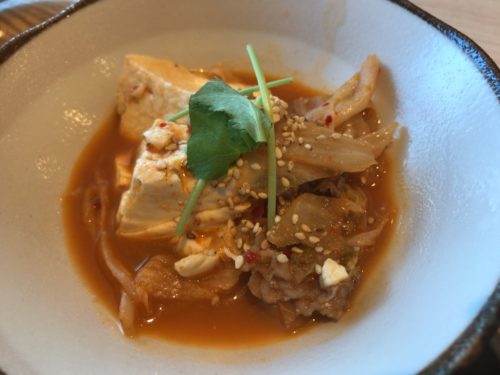 橿原神宮前や佐藤薬品スタジアム近くでランチができるアースワインダイニングASの韓国風肉豆腐
