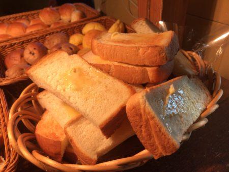 フジエダハウスオランダ屋大和郡山店のパンバイキングのトーストアップ