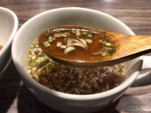 橿原神宮前駅アノラーメン第二製作所のパインスプつけ麺のスープ