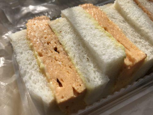奈良・葛城のベーカリーシカフェカントリーロードの厚焼き玉子サンド